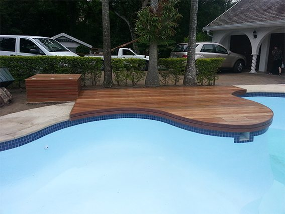 Curvy pool deck